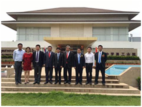 泰国副总理等考察园区
